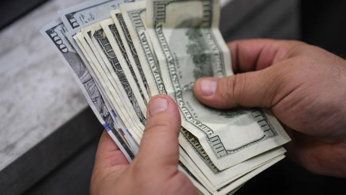 通膨数据低于预期美元指数走弱