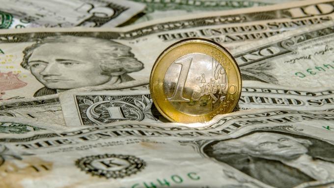 贸易争端未如预期严重美元下跌新兴市场货币回稳